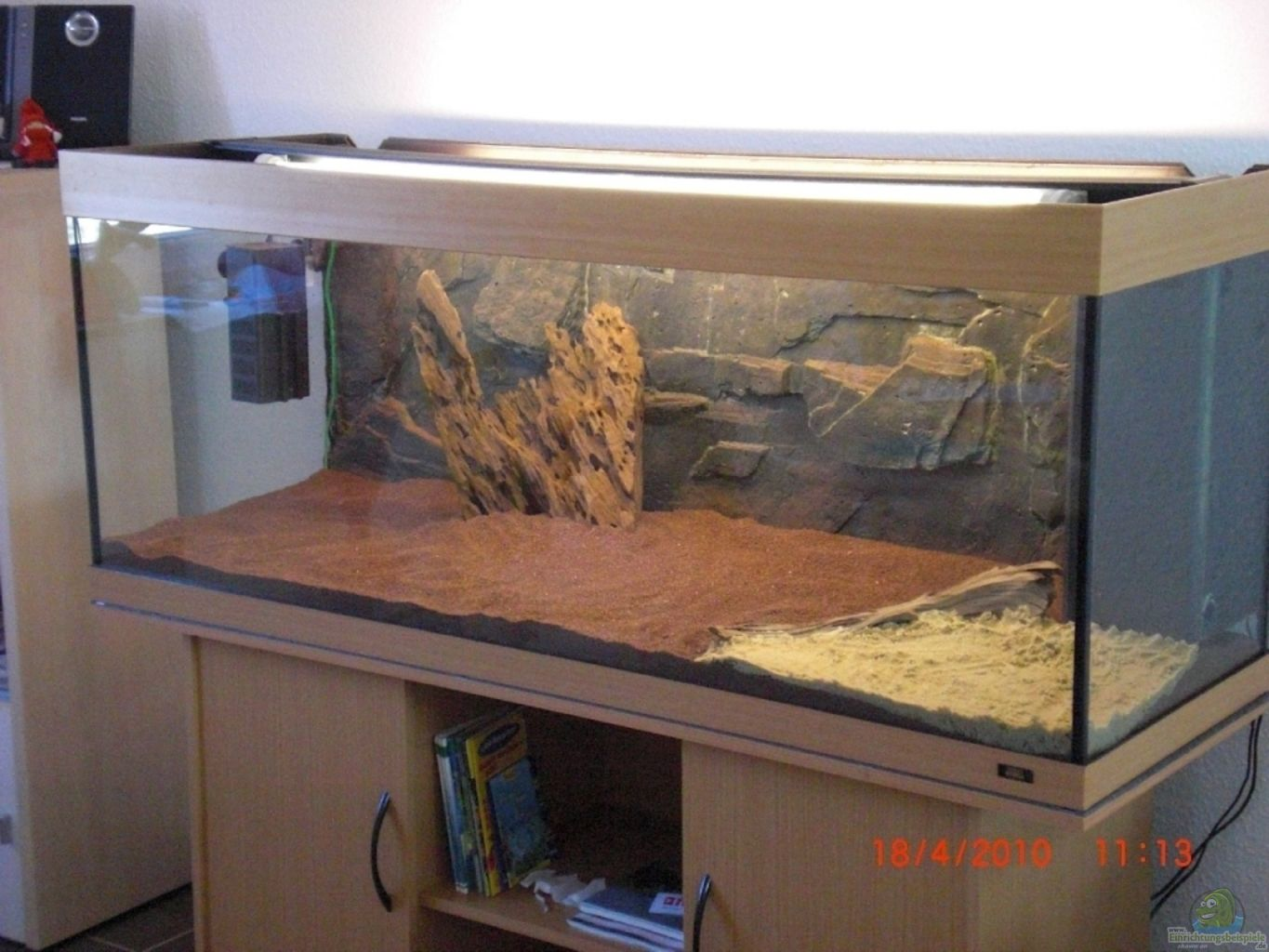 Example no 16903 from the category mixed america tanks for Jbl aquarium